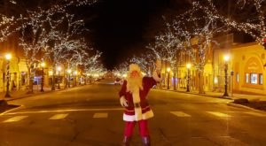 These 7 Small Towns In Iowa Honor Christmas In The Most Magical Way