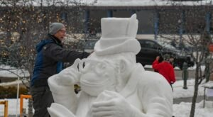 Seeing The Massive Snow Sculptures In The Small Town Of Lake Geneva, Wisconsin Will Be Your Favorite Winter Memory