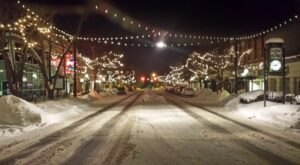 The One Town Near Detroit That Turns Into A Winter Wonderland Each Year