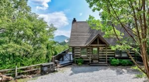 You Won't Believe The Views From The Hot Tub At This Secluded Tennessee Mountain Cabin