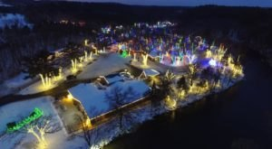 The Light Tour At Sam's Christmas Village In Wisconsin Is Positively Enchanting