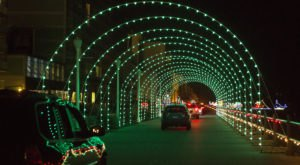 5 Drive-Thru Christmas Lights Displays In Virginia The Whole Family Can Enjoy