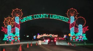 Lightfest Is A Mesmerizing Drive-Thru Christmas Display Near Detroit With Over 100,000 Glittering Lights