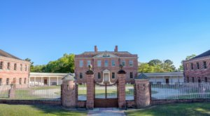 The Historic Tryon Palace Is Located In One Of North Carolina's Most Charming Small Towns