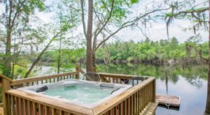 Soak In A Hot Tub Surrounded By Natural Beauty At These 5 Cabins In Florida