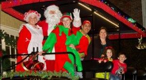 Take A Carriage Ride Driven By Santa Himself In South Carolina This Season