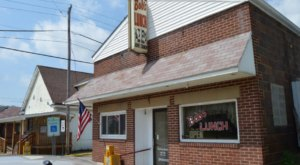 Visit Bob's Lunch, The Small Town Diner In West Virginia That's Been Around Since The 1940s