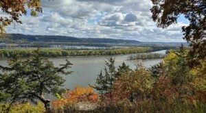 You'll Never Get Enough Of The River Views You Find Hiking Through Effigy Mounds National Monument In Iowa