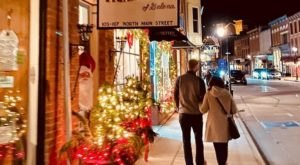 These 7 Small Towns In Illinois Honor Christmas In The Most Magical Way