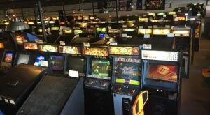 With Over 700 Video Games To Choose From, Illinois' Galloping Ghost Is The Largest Arcade In America