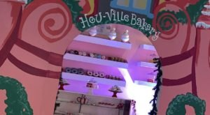"Your Heart Will Grow Two Sizes After Visiting The ""Hou-Ville"" Indoor Christmas Village In Texas"