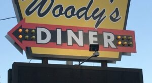 Revisit The Glory Days At Woody's Diner, A 50s-Themed Restaurant In Illinois
