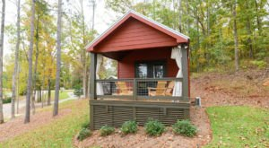 Forget The Resorts, Rent This Charming Waterfront Tiny House In Alabama Instead