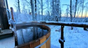 Soak In A Hot Tub Surrounded By Natural Beauty At These 5 Cabins In Alaska