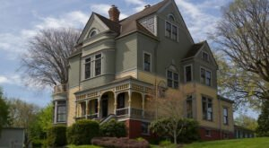 Port Gamble Is Allegedly One Of Washington's Most Haunted Small Towns