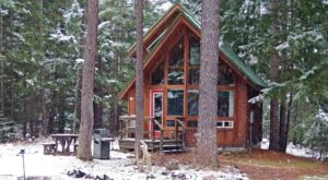 You'll Have A Front Row View Of The Washington Mountains In These Cozy Cabins