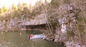 Tennessee's Nickajack Lake Is Home To A Truly Unique Cave With Loads Of Tennessee History