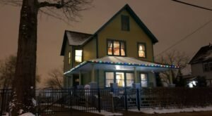 A Christmas Story House In Cleveland Just Might Be The Strangest Tourist Trap Yet