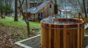 Soak In A Hot Tub Surrounded By Natural Beauty At These 5 Cabins In New York