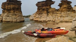 Most People Don't Know About Wilson Lake, A Kayaking Park Hiding In Kansas