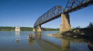 Chain Of Rocks Bridge Is A Remarkable Bridge In Illinois That Everyone Should Visit At Least Once