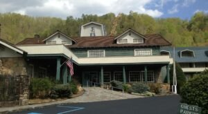 Get Away From It All With A Stay At The Historic Gatlinburg Inn In The Mountains Of Tennessee
