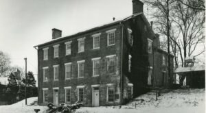 Visit This Fascinating Historic Farmhouse In Indiana For An Adventure Into The Past