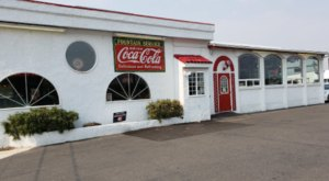 There's A 1950s Themed Diner Hiding In This Small Washington Town, And It's A True Gem