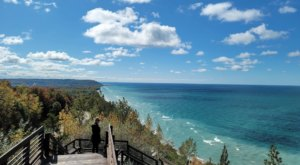 The Magnificent Overlook In Michigan That's Worthy Of A Little Adventure