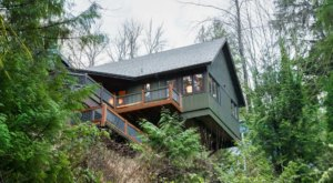 River's Edge Retreat In Washington Offers The Ultimate Escape From Reality