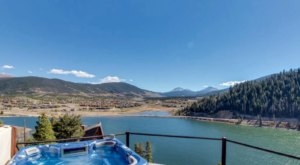 Soak In A Hot Tub Surrounded By Natural Beauty At These 5 Cabins In Colorado
