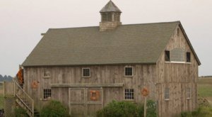 The Barn At Schooner Point In Rhode Island Offers A Rustic, Romantic Escape