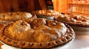 The One-Of-A-Kind Beardsley's Cider Mill & Orchard In Connecticut Serves Up Fresh Homemade Pie To Die For