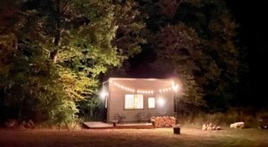 Go Glamping In Style At This Rustic Tiny Home In Rhode Island