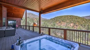 Soak In A Hot Tub Surrounded By Natural Beauty At These 6 Cabins In Arizona