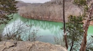 Explore The Marvelous Raven Run Nature Sanctuary With A Scenic Winter Hike In Kentucky