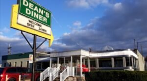 Visit Dean's Diner, The Small Town Diner Near Pittsburgh That's Been Around Since The 1950s
