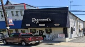 Locals Are Obsessed With Ragnacci's, A Small-Town Pennsylvania Restaurant With A Cult Following