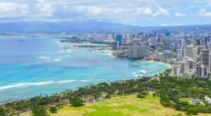 The Most-Photographed City Overlook In The Country Is Right Here On The Hawaiian Coast