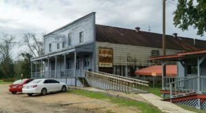 It's Confirmed, Old Country Store Is The Best Small Town Restaurant In Mississippi