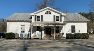 Nuttall's Country Store In Virginia Is A Post Office, Grocery Store, And Deli That Is The Definition Of Small-Town Charm