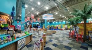 Cowabunga's Is A Tropical-Themed Indoor Playground In New Hampshire That's Insanely Fun