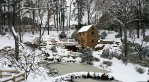 8 Magical Photos Of Snow Covered Arkansas During The February 2021 Storm