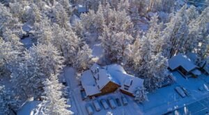 This Log Cabin Bed & Breakfast In Southern California Is The Ultimate Mountain Getaway