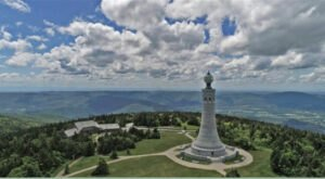 There's A Breathtaking Hotel Tucked Away Inside Of Massachusetts' Mount Greylock State Reservation