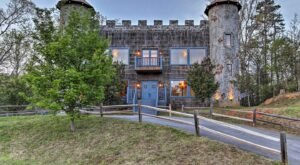 You'll Feel Like Royalty At The Castle In The Smokies, A Castle-Themed Cabin In East Tennessee