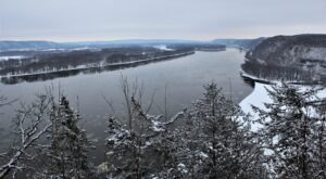 There's No Better Time Than Winter To Hike The Trails At Iowa's Famous Effigy Mounds