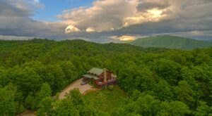 You'll Get A Mountaintop Room With A View When You Book At The Iron Mountain Inn B&B In Tennessee
