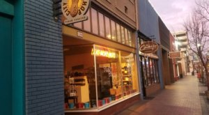 There's A Fresh-Roasted Peanut Shop In Idaho With Dozens Of Salty And Sweet Flavors