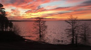 The Sunrises At This Lake In Mississippi Are Worth Waking Up Early For